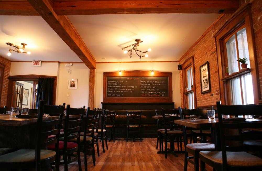 Table Fermiere Brasserie Dunham